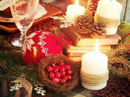 amazing christmas candles and decorations with them 10 20+ Ιδέες Χριστουγεννιάτικης διακόσμησης με κεριά & κηροπήγια
