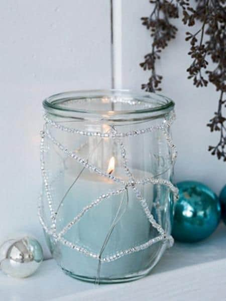 amazing christmas candles and decorations with them 13 20+ Ιδέες Χριστουγεννιάτικης διακόσμησης με κεριά & κηροπήγια