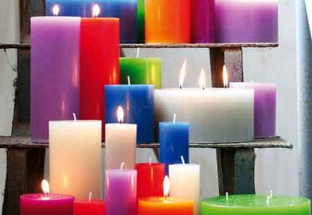 amazing christmas candles and decorations with them 22 20+ Ιδέες Χριστουγεννιάτικης διακόσμησης με κεριά & κηροπήγια