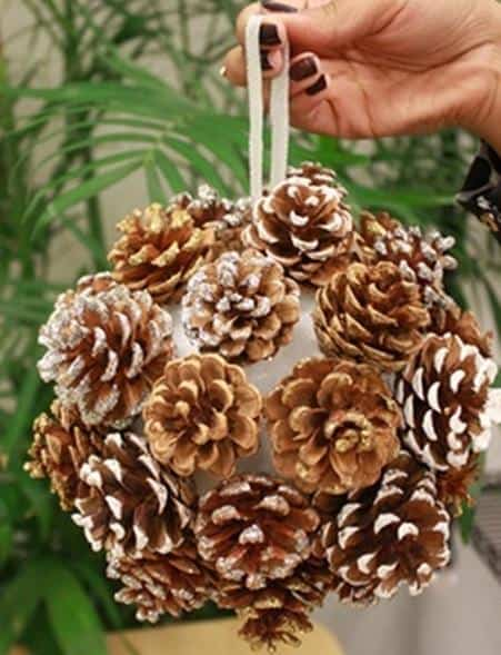 awesome-pinecone-decorations-for-christmas-12