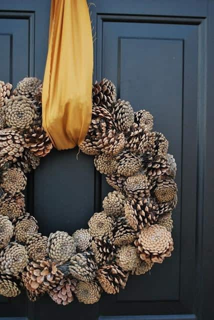 awesome-pinecone-decorations-for-christmas-26