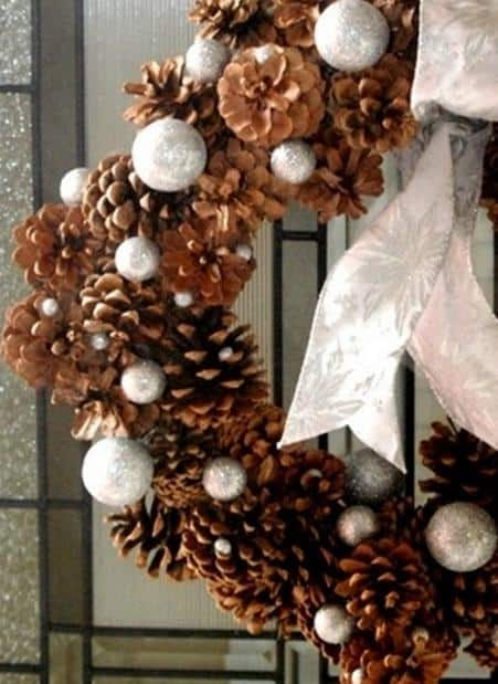 awesome-pinecone-decorations-for-christmas-7