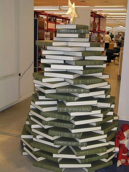 cool-christmas-tree-alternatives16