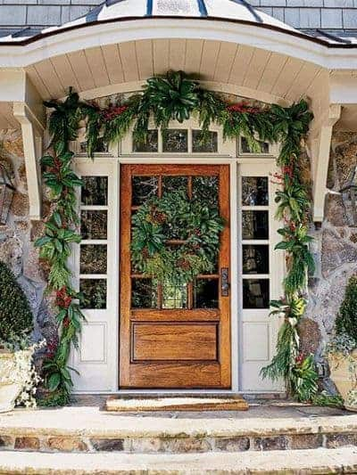 stunning-christmas-front-door-decor-ideas-22
