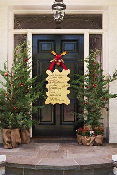 stunning-christmas-front-door-decor-ideas-28