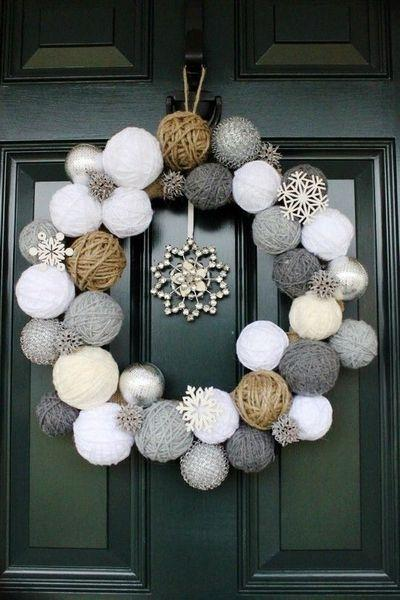 stunning-christmas-front-door-decor-ideas-10