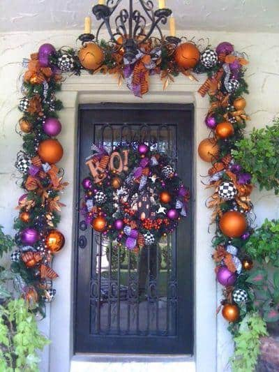 stunning-christmas-front-door-decor-ideas-21