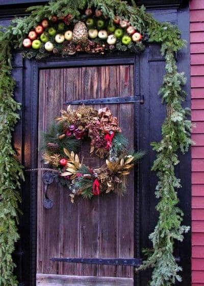 stunning-christmas-front-door-decor-ideas-34