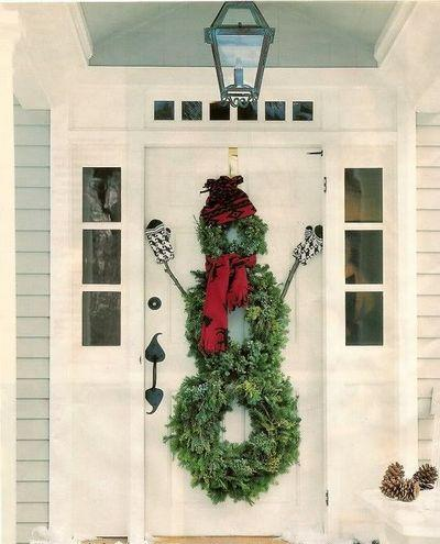 stunning-christmas-front-door-decor-ideas-7