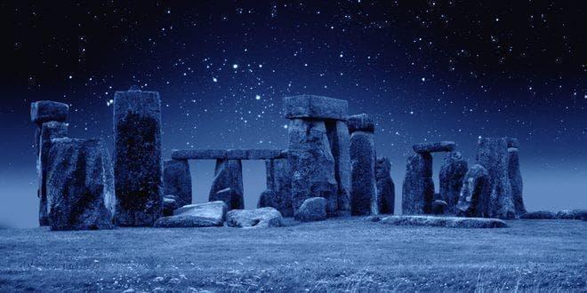 Stonehenge in Winter - Στόουνχεντζ τον Χειμώνα κατά το χειμερινό ηλιοστάσιο